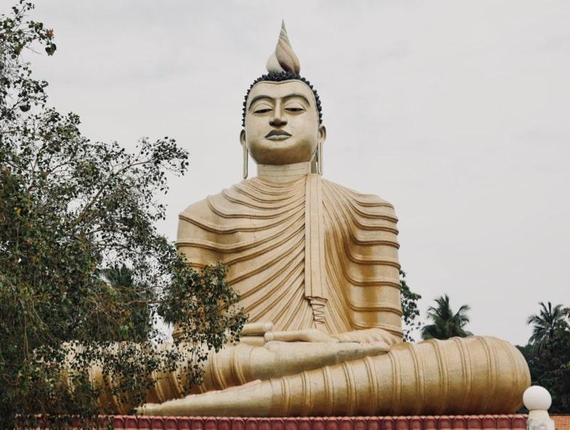 Temple bouddhiste Sri Lanka - Chipiron Surf