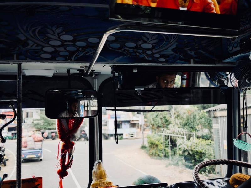 Les bus au Sri Lanka, toute une aventure - Chipiron Surf