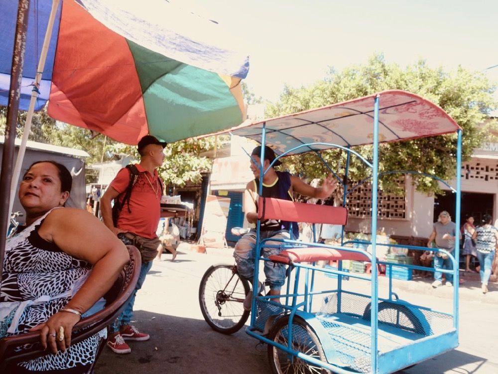 Tuktuk local - Chipiron surf trip