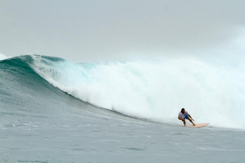 Première session un peu velue - chipiron surf trip Mentawai