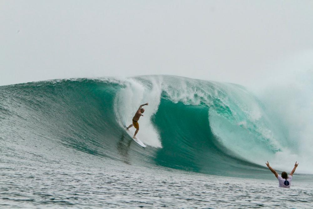 Photobomb par Damien - chipiron surf trip Mentawai