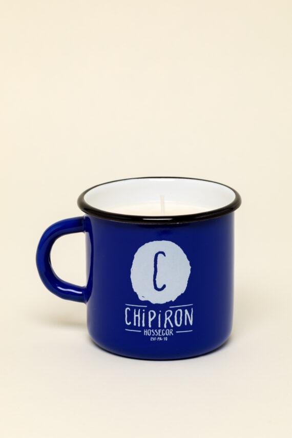 Bougie de surf dans mug en émail bleu Chipiron