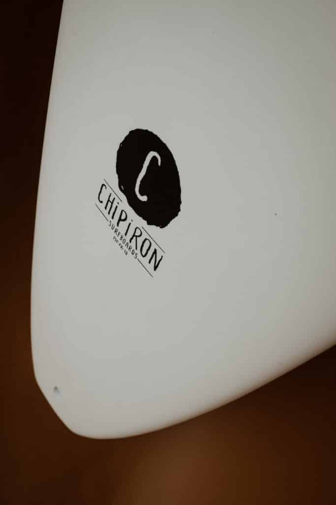 Détail tracker 7' en mousse par Chipiron Surfboards